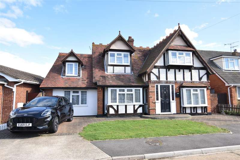 4 Bedrooms Chalet House for sale in Temptin Avenue, Canvey Island