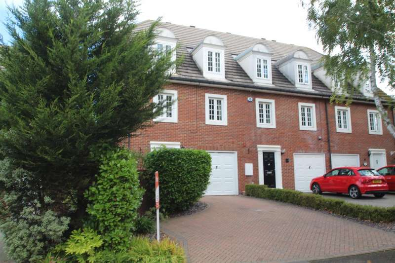 4 Bedrooms Semi Detached House for sale in Rectory Garth, Rayleigh