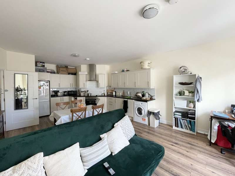 1 Bedroom Property for rent in High Street, Southend-On-Sea SS1