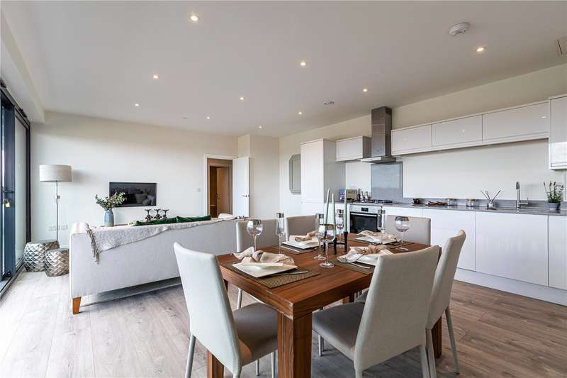 1 Bedroom Apartment Flat for sale in Hurricane Court, Heron Drive, Slough, SL3