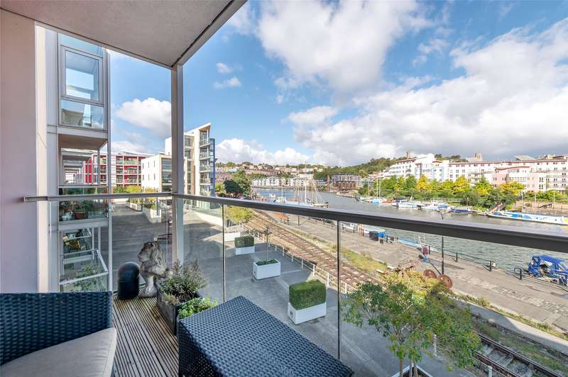 2 Bedrooms Flat for sale in Liberty Gardens, Bristol, Bristol, BS1