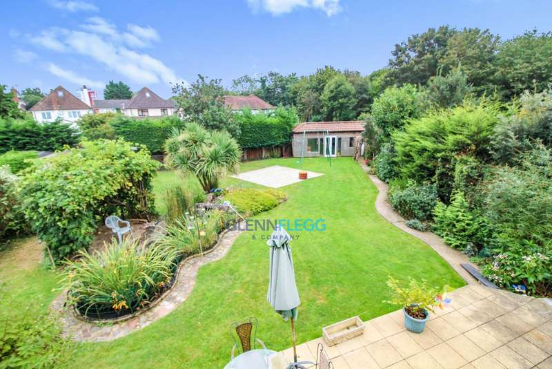 5 Bedrooms Semi Detached House for sale in Castleview Catchment, Langley