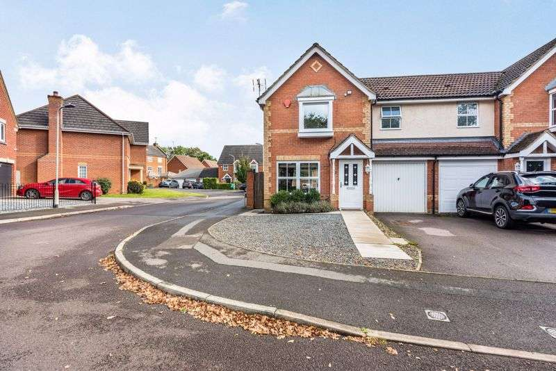 3 Bedrooms Property for sale in Arbery Way, Arborfield, Reading, RG2