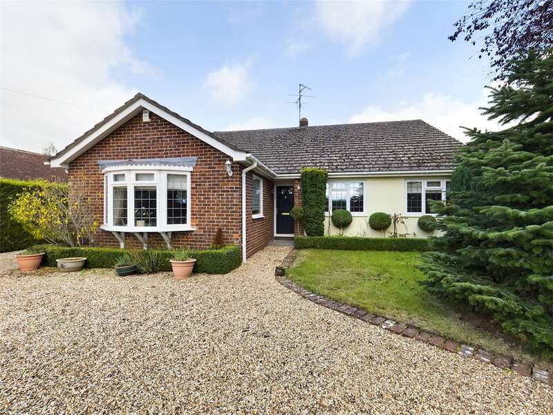 4 Bedrooms Detached Bungalow for sale in Island Farm Road, Ufton Nervet, Reading, Berkshire, RG7