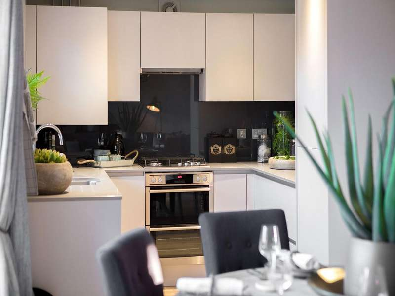 3 Bedrooms House for sale in The Valance, Charles Church at Broadway, Broadway, Rainham, RM13 9YW