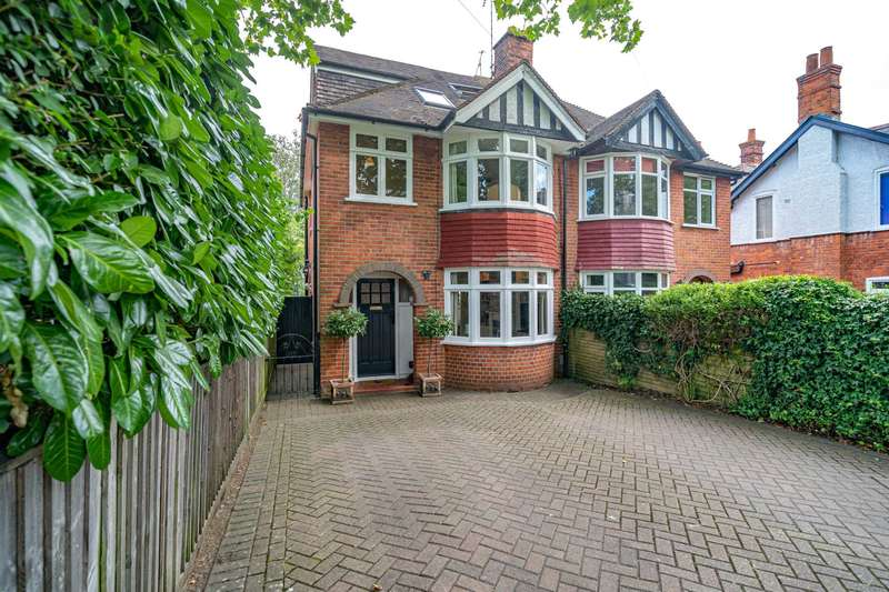 4 Bedrooms Semi Detached House for sale in Kidmore Road, Caversham Heights, Reading