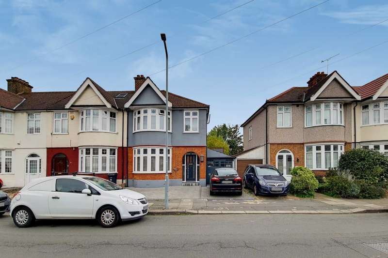 3 Bedrooms End Of Terrace House for sale in Meadway, Ilford, IG3