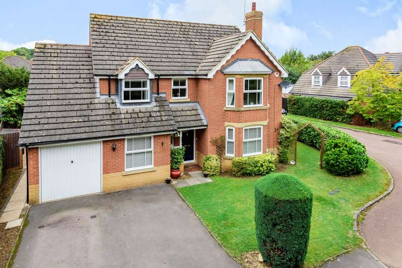 4 Bedrooms Detached House for sale in Warfield, Berkshire, RG42
