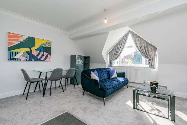 2 Bedrooms Apartment Flat for sale in Lundy Lane, Reading, Berkshire