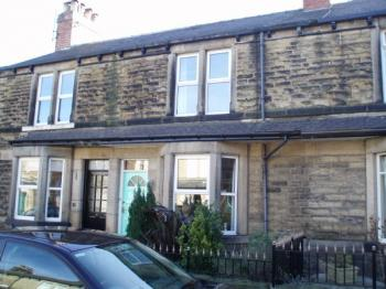 3 Bedrooms Terraced House for sale in 3 bedroomed un/furnished house