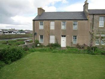 3 Bedrooms Semi Detached House for sale in 1 Bridgend, Thurso, Caithness, KW14 8PP