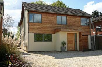 5 Bedrooms Detached House for sale in Elstree Road, Bushey Heath