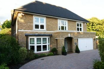 5 Bedrooms Detached House for sale in Reenglass Road, Stanmore