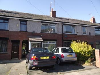 2 Bedrooms Terraced House for sale in Park Road, Rochdale. Two Bed Mid Town House with Conservatory, GCH and DG.