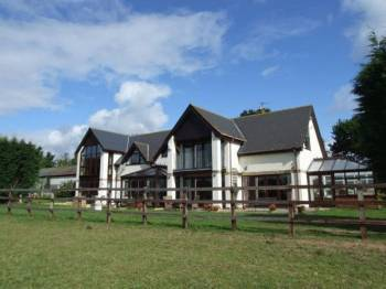 5 Bedrooms Detached House for sale in Devon, Pinhoe, Nr Exeter