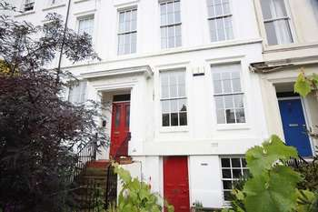 2 Bedrooms Flat for sale in Devonshire Road, Princes Park, Liverpool, L8