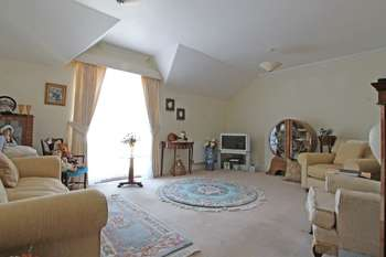 2 Bedrooms Flat for sale in Lindsay Road, Poole
