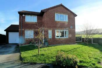 4 Bedrooms Detached House for sale in Maes Seiriol, Abergele