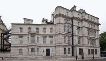 2 Bedrooms Flat for sale in Grosvenor Gardens, Belgravia, London SW16