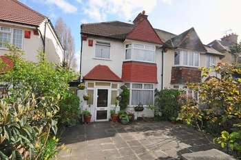 4 Bedrooms House for sale in Gunnersbury Lane, W3