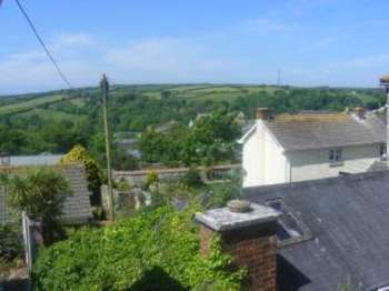 3 Bedrooms Maisonette Flat for sale in Helston, Cornwall