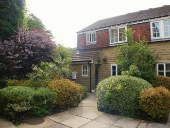 2 Bedrooms Semi Detached House for sale in Byron Mews, Bingley