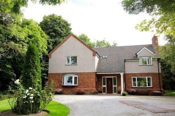 5 Bedrooms Detached House for sale in Rhuallt, St Asaph