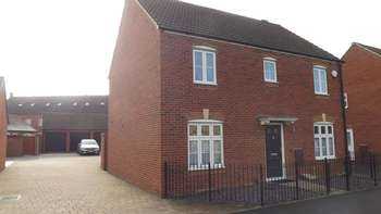4 Bedrooms Detached House for sale in Kingsway, Gloucester Gloucestershire GL2