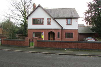 4 Bedrooms Detached House for sale in Sandiway, Northwich