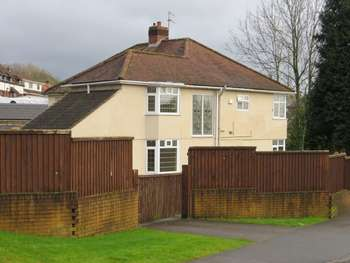 4 Bedrooms Semi Detached House for sale in Cefn Road, Newport