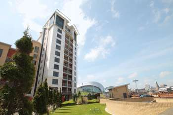 3 Bedrooms Flat for sale in Baltic Quays, Gateshead Quayside