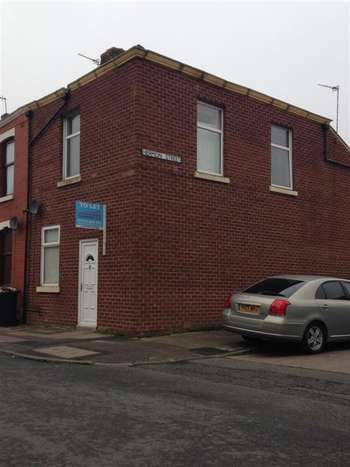3 Bedrooms Terraced House for sale in Cemetary road, Ribbleton, Lancashire, PR1 5UT