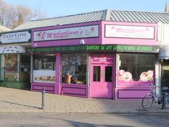 Property for sale in CAFE & TAKEAWAY WITH A5 USE FOR SALE IN DEWSBURY, WEST YORKSHIRE