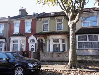 3 Bedrooms Terraced House for sale in St. Bernard's Road, London