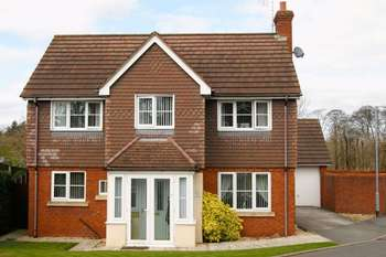 4 Bedrooms Detached House for sale in Adderley Bank, Wrexham