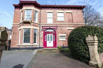 3 Bedrooms Flat for sale in Mannering Road, Liverpool