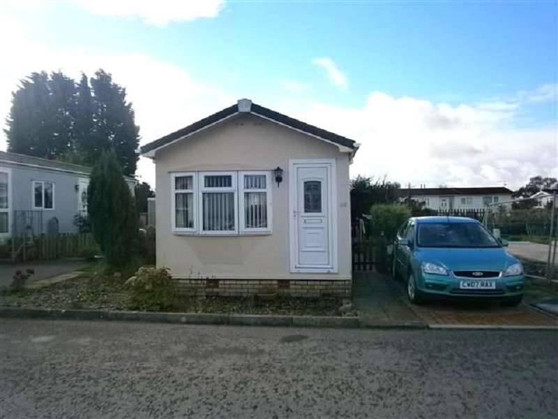 2 Bedrooms Park Home Mobile Home for sale in LIGHTHOUSE PARK ESTATE, ST BRIDES, WENTLOOGE, NEWPORT. NP10 8SL