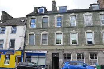 3 Bedrooms Flat for sale in High Street, Kirkcaldy