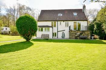 4 Bedrooms Detached House for sale in Nab Vale, Glaisdale, Whitby