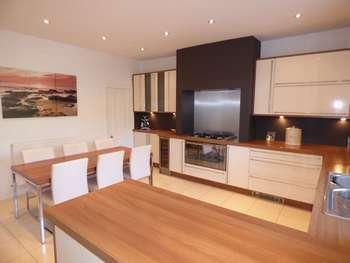 2 Bedrooms Terraced House for sale in Burnley Road, Clowbridge