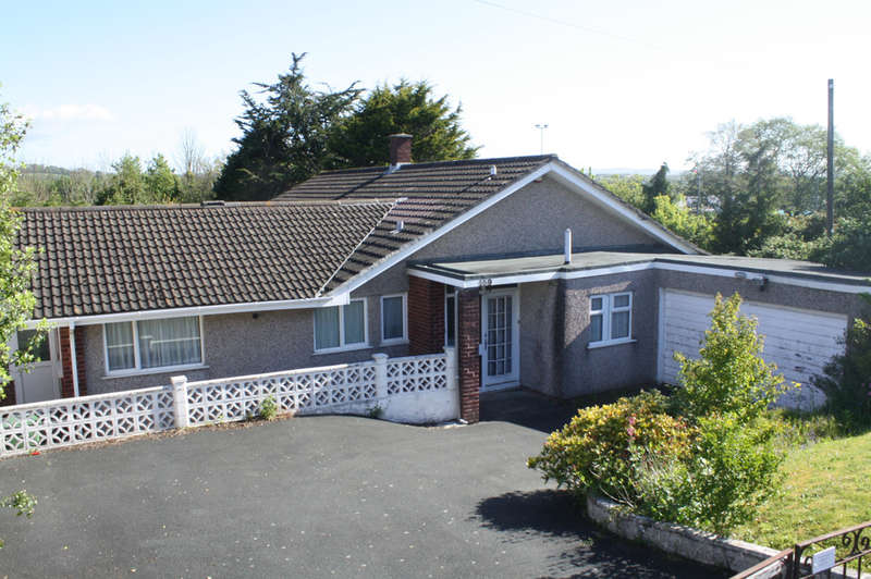 4 Bedrooms Detached Bungalow for sale in Elburton Road, Elburton.