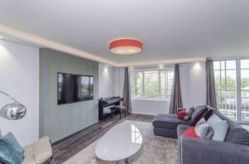 3 Bedrooms Flat for sale in St. Mary Abbots Terrace, London, W14