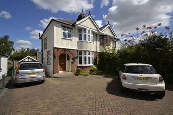 3 Bedrooms Semi Detached House for sale in Wood Street, Chelmsford