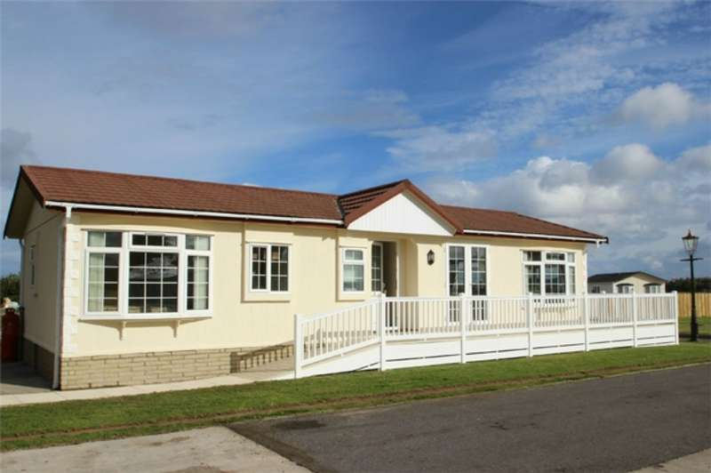 2 Bedrooms Park Home Mobile Home for sale in Grosvenor Park, Riverview Residential Park, Mundole, Forres, Moray