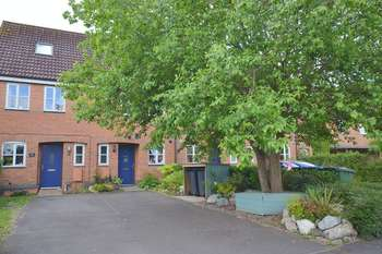 3 Bedrooms Terraced House for sale in Masons Road, Stratford-Upon-Avon