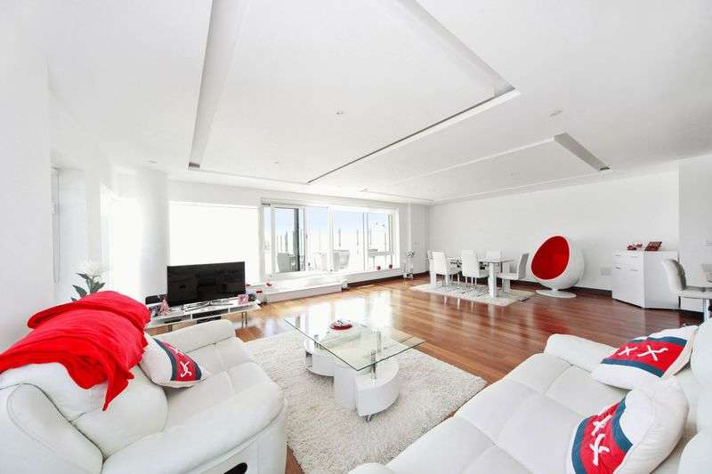 3 Bedrooms Flat for sale in Flotilla House, Battersea Reach, Juniper Dr, SW18