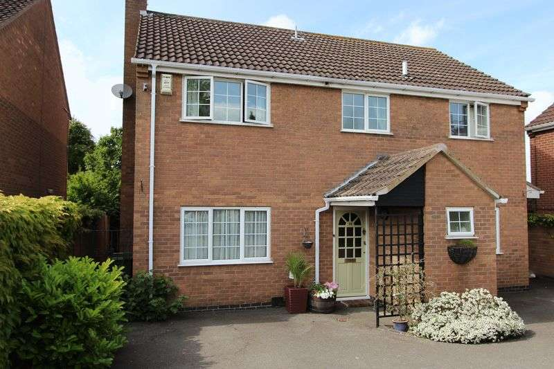 4 Bedrooms Detached House for sale in Belvoir Close, OADBY