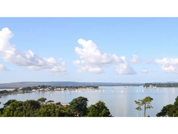 4 Bedrooms Flat for sale in Haven Road, Canford Cliffs, Poole, Dorset
