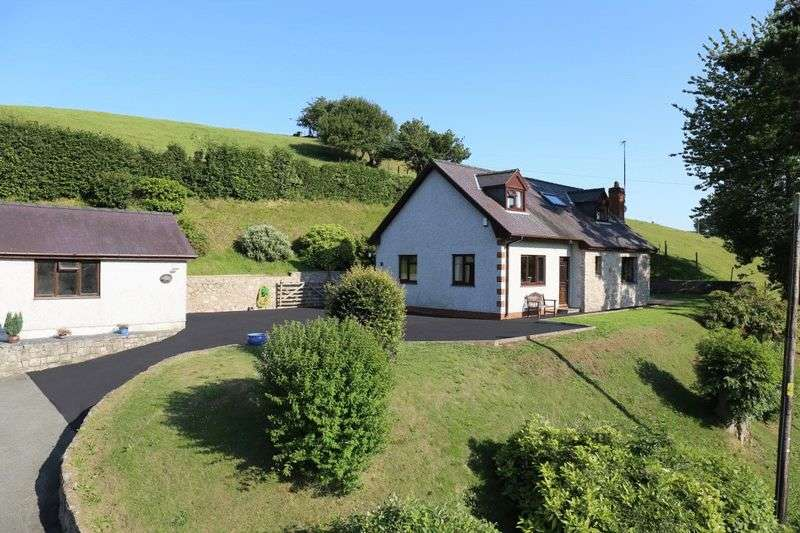 3 Bedrooms Property for sale in Gwyddelwern, Corwen
