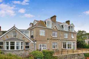 3 Bedrooms Flat for sale in Bishops Road, St. Ives, Cornwall
